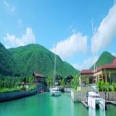 亚龙湾游艇港